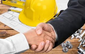 Shaking hands – Top 3 remodeling tips (part 2/2) - Fort Myers - Richardson Custom Homes