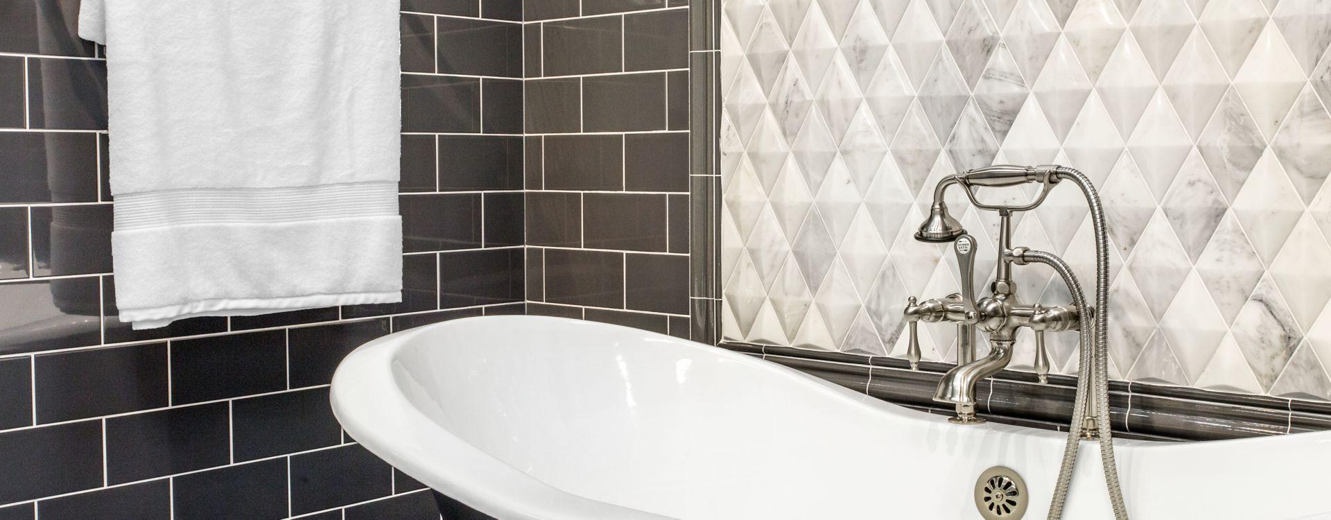Modern bathtub – Reasons to remodel your bathroom - Fort Myers - Richardson Custom Homes